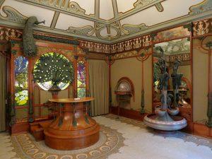 Decoración de la joyería de Georges Fouquet en París, diseñada por Alfons Mucha.